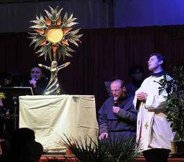 adoration-camp2