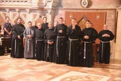 Les 14 novices avant leur profession.
