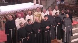 Les novices (après leur profession). Fr. Grégoire et fr. Hugo sont au premier rang, en bas à gauche.