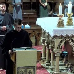 Prière Universelle : fr. Raphaël au second plan