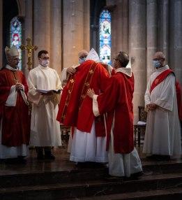 Vêture : fr. Jérémie-Marie reçoit la dalmatique