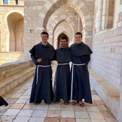 Nos trois novices au Sacro Convento.